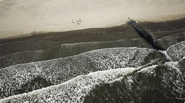 Oostende zee Wave Thirteen